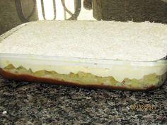 Receita da Angelina c/ fotos Eu não sei como se chama no resto do país, mas aqui no Sul chamamos de TORTA MINEIRA. É uma torta co...