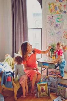 How to survive early motherhood in true millennial fashion