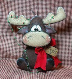 A Chris-Moose Tangle Pattern - Primitive Doll Pattern - Christmas - Moose - Tangled Lights - Whimsical - Fiber Art - English Only Christmas Moose, Felt Christmas, Christmas Crafts, Christmas Decorations, Christmas Ornaments, Primitive Doll Patterns, Felt Ornaments, Wool Felt, Fiber Art