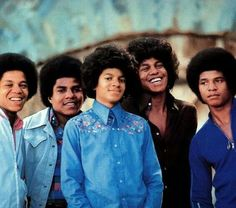 Marlon, Tito, Michael, Jeremiah and Jackie Jackson all looking good.
