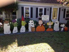 It's the great pumpkin yard art