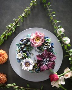 The Seoul-Based Pastry Chef Creates Buttercream Floral Cakes That Look Too Beaut. The Seoul-Based Pastry Chef Creates Buttercream Floral Cakes That Look Too Beautiful To Eat – Th Flores Buttercream, Homemade Buttercream Frosting, Buttercream Flower Cake, Wedding Cakes With Cupcakes, Fun Cupcakes, Birthday Cupcakes, Cupcake Cakes, Owl Cakes, Fruit Cakes
