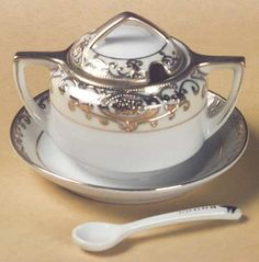 Mustard With Attached Underplate, Lid And Spoon in the 175 pattern by Noritake