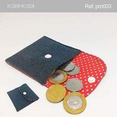 . Porta-moedas  Descrição:  Largura: 9 cm Profundidade: 0,5 cm Altura: 9,5 cm Peso: 30g Ref.: pm003 Valor: R$ 3,90(1x sem juros) Pronta…