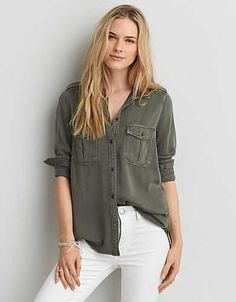 Keep your look at ease and ready-for-anything with this flowy button down.