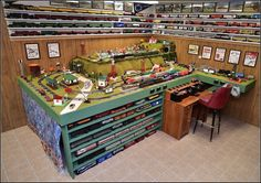 """The """"Encourage Others Challenge"""": Post a picture of your layout. Lionel Trains Layout, Lionel Train Sets, Escala Ho, Ho Train Layouts, Train Miniature, Miniature Houses, Model Railway Track Plans, N Scale Trains, Train Room"""