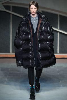 Puffer jacket!! // Raf Simons Fall 2016 Menswear Fashion Show