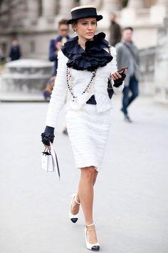 Костюм Шанель (Chanel) 2017 (47 фото): женские костюмы в стиле Шанель с юбкой, Жаклин Кеннеди и ее розовый костюм от Шанель