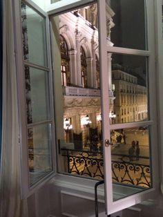 See 49 photos and 12 tips from 251 visitors to Hôtel La Maison Favart. Small Boutique Hotels, Four Square, Around The Worlds, Paris, Travel, Decor, World, Home, Montmartre Paris