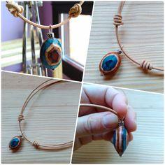 colgante, piedra de cuero, hecho a mano. Handmade pendant, leather stone.
