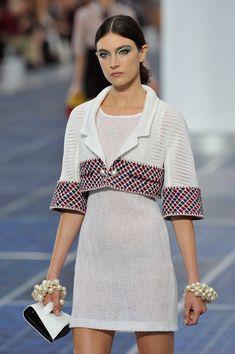 Chanel 2014 runway | Chanel: Runway - Paris Fashion Week Womenswear Spring / Summer 2013 ...