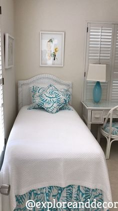 Coastal cottage chic...turquoise and white transend a crisp summery feeling.