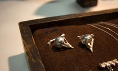 The Weird and Wonderful jewelry of Kate Gilliland, who turns nature's tragedies into beautiful works of wearable natural history in a stunning range from tiny bird skull cufflinks to toadlet rings.