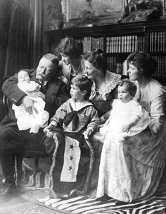 TR and family    http://www.theodore-roosevelt.com/trfamily.html