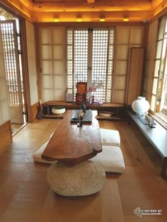 Traditional Interior, Traditional House, Interior Design Living Room, Interior Decorating, Old Cottage, Simple Interior, Architect Design, Asian Style, My Room