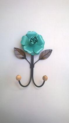 Cabideiro de ferro com flor - 2 ganchos