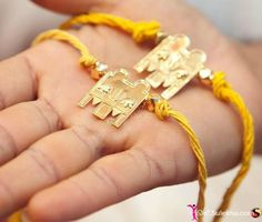 In Hindu ceremonies, the brides wear a Mangalsutra - which is the sacred symbol of marriage. South Indian Weddings, South Indian Bride, South Indian Mangalsutra, Gold Mangalsutra Designs, Gold Chain Design, Before Wedding, Picture Design, Indian Jewelry, Bridal Jewelry