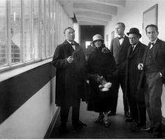 Inauguración-de-la-nueva-Bauhaus-Walter-Gropius