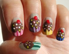 I absolutely must do this! These cupcake nails are adorable!