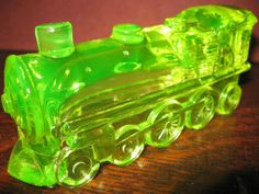 Vaseline glass train engine uranium yellow canary railroad boyd car green RR art