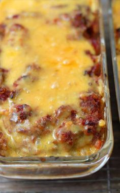Recipe for Taco Meatloaf - This meatloaf is the best of both worlds to me; a good hearty meatloaf but with a Mexican twist I love so much. loaf Recipe for Taco Meatloaf Taco Meatloaf, Meatloaf Recipes, Meat Recipes, Mexican Food Recipes, Cooking Recipes, Mexican Meatloaf, Cooking Food, Recipies, No Carb Meatloaf Recipe