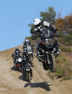 Todo es más divertido con una BMW R1200GS Adventure.