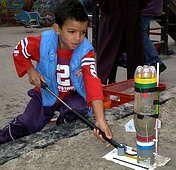 Een waterracket bouwen en lanceren.