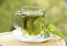 Discover simple ways to lower creatinine levels naturally while improving your kidney function. And understand why lowering creatinine should not be your only goal when treating kidney disease. Nettle Tea Benefits, Health Benefits, Health Tips, Herbal Remedies, Natural Remedies, Allergy Remedies, Nettle Leaf Tea, Foods For Clear Skin, Sante Bio