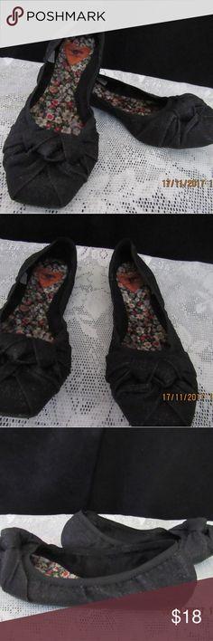 I just added this listing on Poshmark: JB243. Rocket Dog Black Flats. Size 8 1/2M. #shopmycloset #poshmark #fashion #shopping #style #forsale #Rocket Dog #Shoes