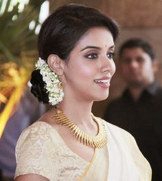 Asin Thottumkal: Asin at Riteish - Genelia wedding
