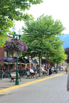 Beautiful downtown Revelstoke A weekend spent dipping my toes into Revelstoke via The World on my Necklace Camas Washington, Vancouver Washington, Columbia City, British Columbia, Banff National Park, National Parks, Revelstoke Bc, Vancouver City, Mountain City