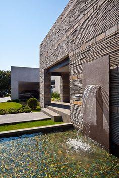 Residencia Valle by Bernardo Hinojosa