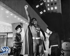 Christopher Reeve, David Baxt, and George Harris II in Superman First Superman, Superman Movies, Dc Movies, Great Movies, Movie Tv, Superman Photos, Christopher Reeve Superman, Adventures Of Superman, Comic Book Characters