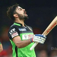 And yes, no wonder! The green army's captain makes me die everyday for him!