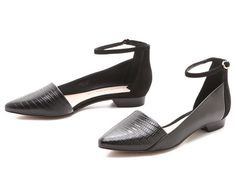 THE DAILY FIND: 10 CROSBY DEREK LAM FLATS