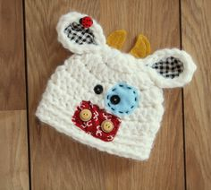Super cute! I am going to have to start incorporating felt and fabric into my projects :D