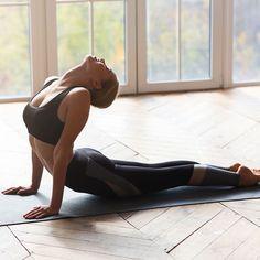 Yoga Gym, Yoga Fitness, Corps Yoga, Yoga Images, Fitness Inspiration Body, Sport Outfit, Fitness Photoshoot, Yoga Photography, Workout Aesthetic