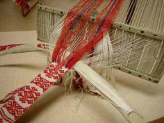 Sámi weaving from Swedish museum exhibit. Visit www.stoorstalka.com and www.allfiberarts.com to learn this method of Sámi rigid heddle weaving.