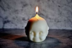 Candles might not be the most convenient way to light up your home thanks to the lightbulb, but they are irreplaceable when creating a cozy or intimate atmosphere. Candle design has come a long way, and there are plenty of awesome designs out there to choose from. Check out these creative candle designs, add some …