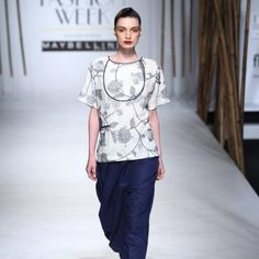 payal-pratap-at-amazon-india-fashion-week-2017-9