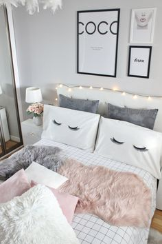 Cute And Girly Bedroom Decorating Ideas For Apartment - Dream Rooms, Dream Bedroom, Girls Bedroom, Bedroom Decor, Bedroom Ideas, Teenage Bedrooms, Design Bedroom, Vintage Teen Bedrooms, Teenage Girl Room Decor