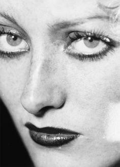 Joan Crawford, 1930.