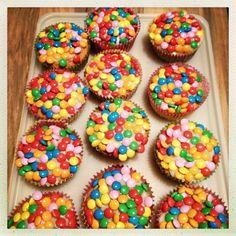 Cakes met smarties - traktatie Nikki