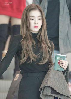 Red Velvet - Monsters Of Kpop Red Velvet アイリーン, Red Velvet Irene, Kpop Fashion, Korean Fashion, Fashion Outfits, Airport Fashion, Korean Girl, Asian Girl, Korean Hair Color