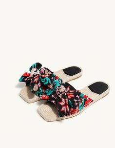 #Stradivarius #slides with a bow