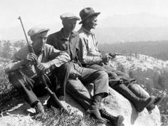 1920's - THREE GUYS WITH GUNS OUT IN THE WILDERNESS