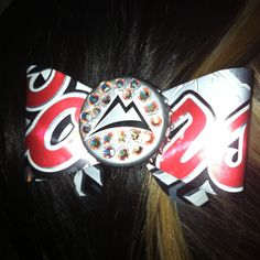 Bling Coors Light Bow!! I'm thinking river season?!? Who wants one? <3