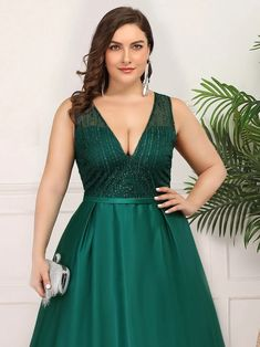 Plus Size Elegant Deep V Neck Floor Length Evening Dress - Ever-Pretty US You are in the right place about Evening Dress simple Here we offer you the most beautiful pictures about the Evening Dress ma Gold Evening Dresses, Evening Dresses Plus Size, Plus Size Dresses, Evening Gowns, Holiday Party Dresses, Girls Party Dress, Girls Dresses, Prom Dresses, Winter Dresses