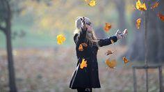Investigadores de la Universidad de Nueva Gales del Sur, en Australia, identificaron los períodos de la vida en los que una persona promedio se siente más feliz. Así, los científicos destacan dos períodos de máxima felicidad: entre los 15 y los 22 años y luego, entre los 65 y los 80 años.