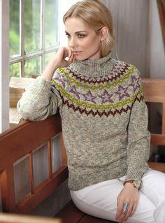 Свитер с круглой жаккардовой кокеткой    Модели в норвежском стиле никогда не выходят из моды, вот и этот свитер из меланжевой пряжи с кокеткой, украшенной жаккардовыми узорами, будет актуален всегда.